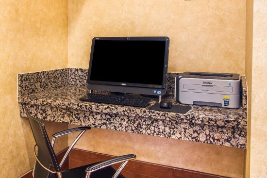 Comfort Inn Near Grand Canyon: Computer