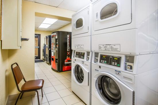 Comfort Inn Near Grand Canyon: Laundry
