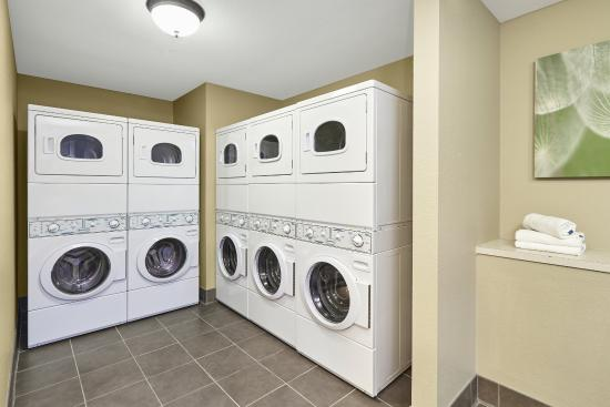 Glenview, IL: Laundry Facility