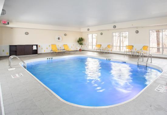 Fairfield Inn & Suites Abilene: Indoor Pool