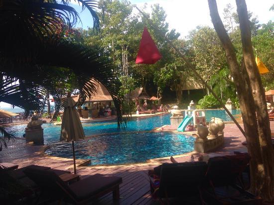 Crown Lanta Resort & Spa: Picina familiar