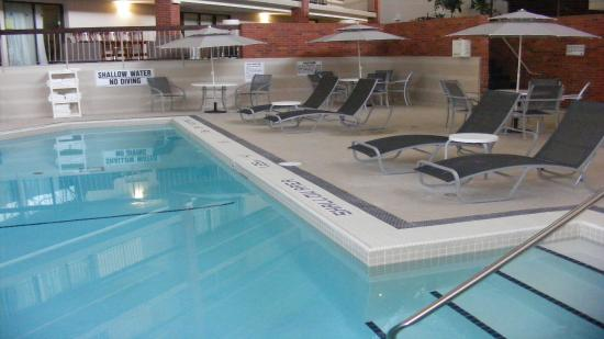 Oakville, Canadá: Indoor Heated Swimming Pool