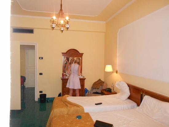 Majestic Palace Hotel: Room
