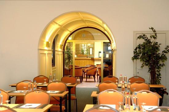 Saint-Josse-ten-Noode, เบลเยียม: Meeting Room