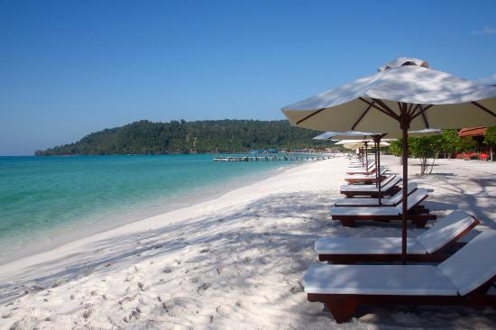 Koh Rong, Kambodża: Amazing beach, and no fighting over lounge chairs