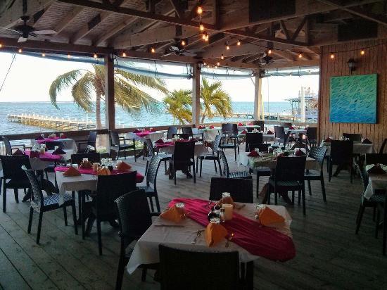 SunBreeze Hotel: Beach Front Restaurant