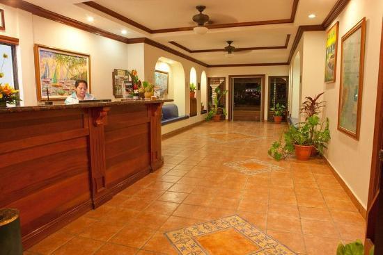 SunBreeze Hotel: 24 Hour Reception - San Pedro Town 3