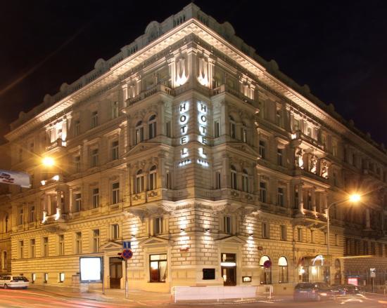 Boutique Hotel Seven Days: Hotel building