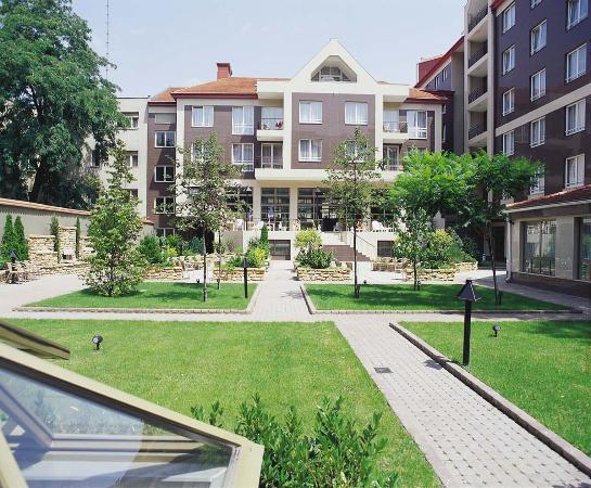 Adina Apartment Hotel Budapest: Front