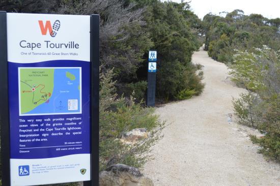 Freycinet National Park, Australia: Easy with wheel chair access.