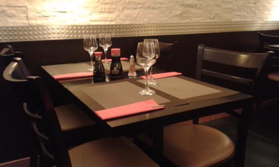 Dreux, France : Une des tables...