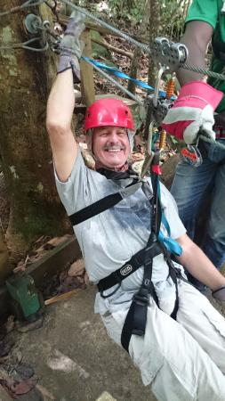 Dennery, Sta. Lucía: OLD GUY ON THE ZIP LINE