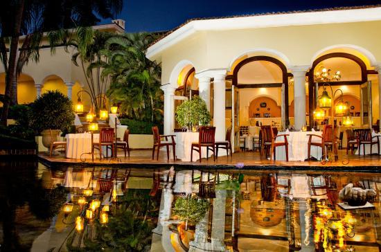 Casa Velas: Restaurant Emiliano´s Terrace