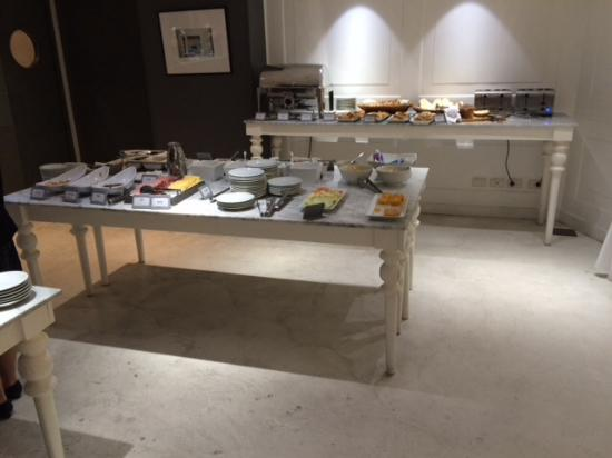 Feirs Park Hotel: Buffet breakfast