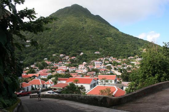 Windwardside, Saba: Mount Scenery and Windward
