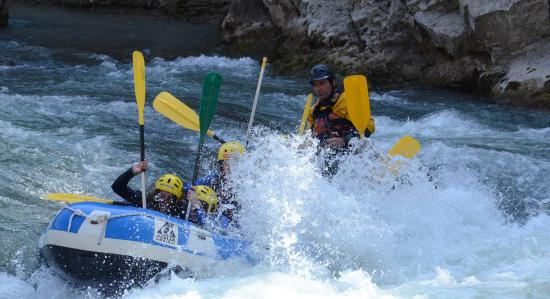 Itxassou, فرنسا: rafting au pays basque avec nckd des moments raffraîchissants