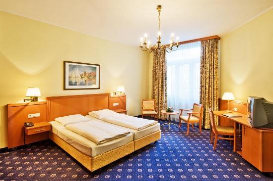 Photo of Three Peaks Inn Bed and Breakfast Driggs