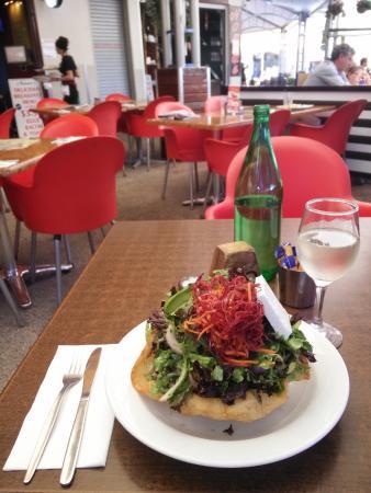 Gold Coast, Australia: The huge salad!