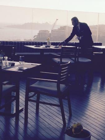 Hilton ParkSA Istanbul: The rooftop terrace