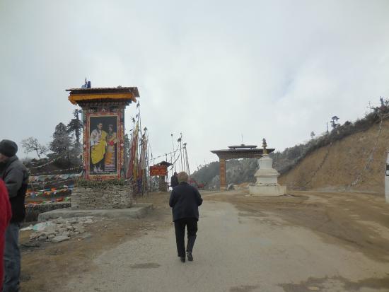 Trongsa, Bhutan: Yutong L a Pass!  At last!