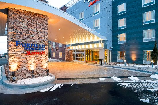 Fairfield Inn Suites Provo Orem Front Of Hotel And Fire Pit For Family Gatherings