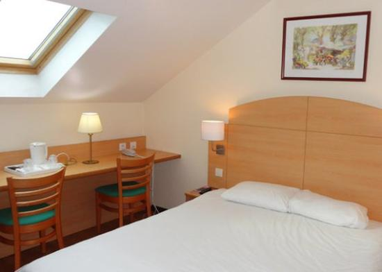 Cambrai, France : Double Room NQ