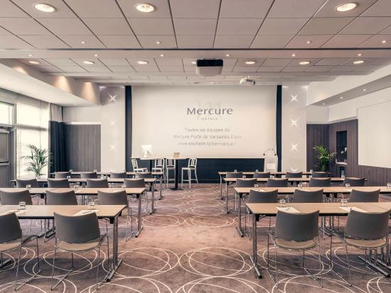 Vanves, France : Meeting Room