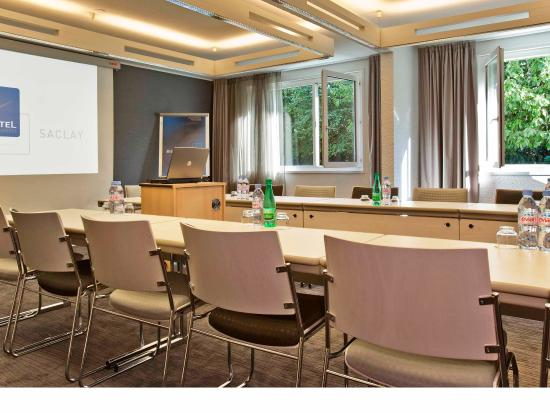 Saclay, France : Meeting Room