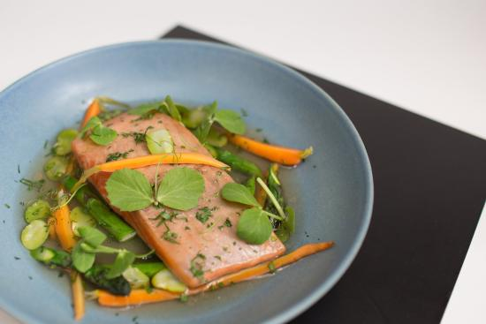 Mascot, ออสเตรเลีย: Maple Miso Ocean Trout Fillet in Sirocco Restaurant