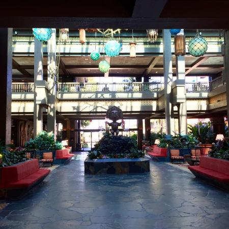 Disney's Polynesian Village Resort: Resort Lobby