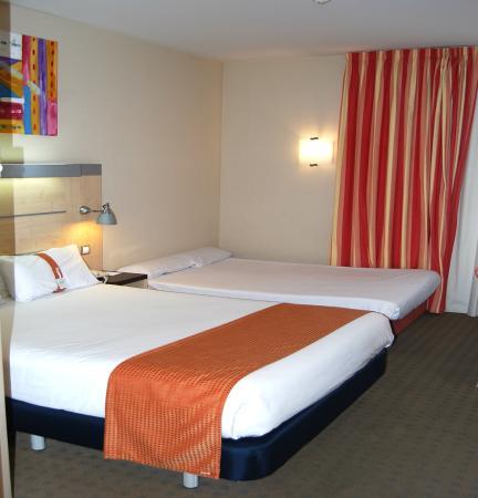 Aldaia, España: Double bed and Sofa Bed