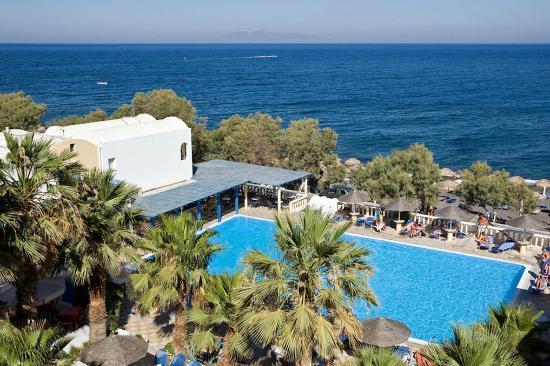 Kamari Beach Hotel: Panoramic view