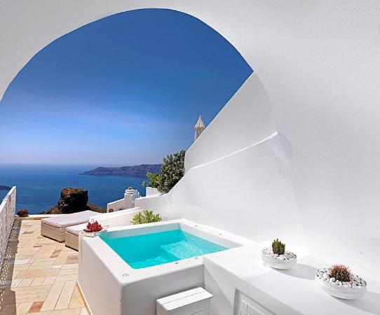 Tholos Resort: Family Suite Private Jacuzzi