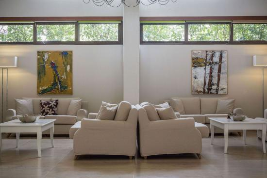 Kassandra Bay Resort & SPA: Lounges in the lobby