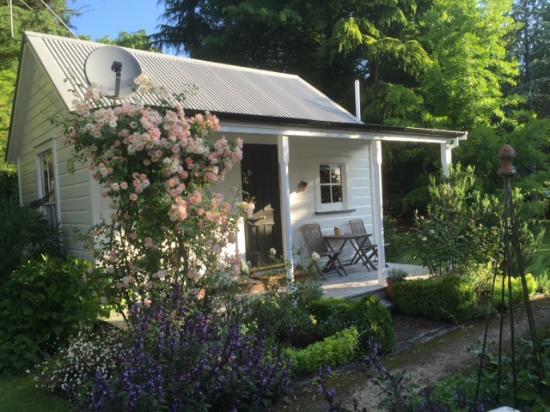 Endsleigh Cottages & Hillington