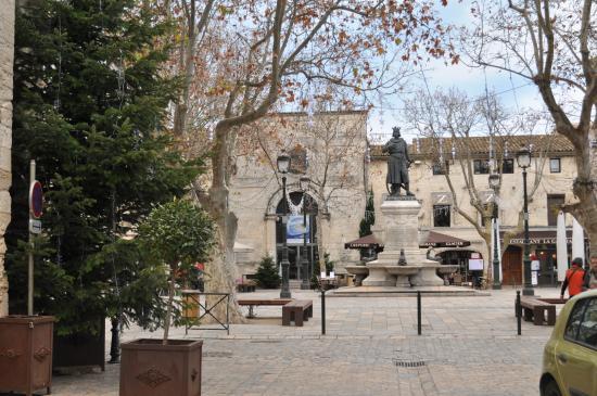 Aigues-Mortes, Francia: Place Saint Louis
