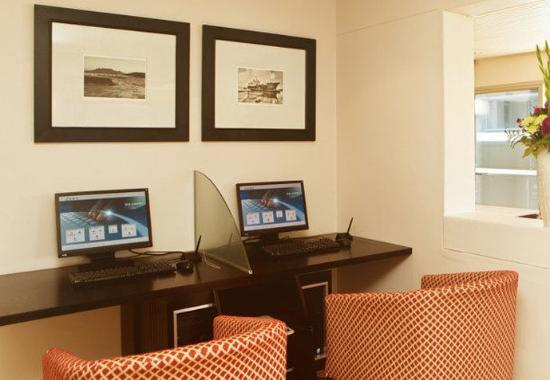 Protea Hotel Cape Castle: Business Center