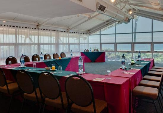 Illovo Beach, แอฟริกาใต้: Conference Room – U-Shape Setup