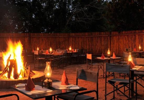 Protea Hotel Hazyview: Outdoor Dining