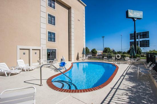 Quality Inn Murfreesboro: Pool
