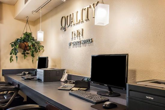 Quality Inn Murfreesboro: Computer