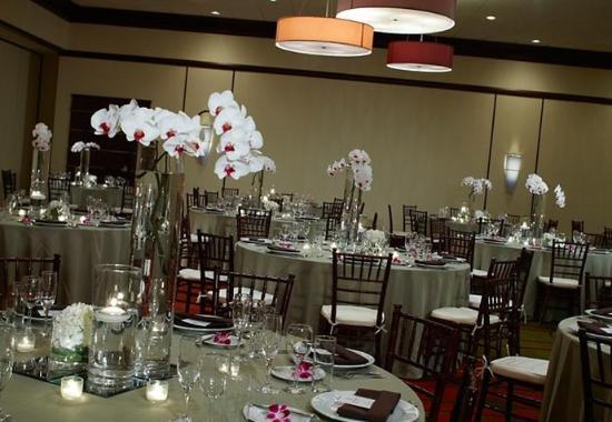 Carmel, IN: Reception Style