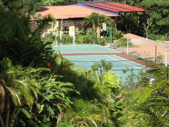 Birri, Costa Rica: Tennis, Basketball, Jym, Soccer, Fishing, Foosball, Pool table, Quadra cycle and horse rentals.
