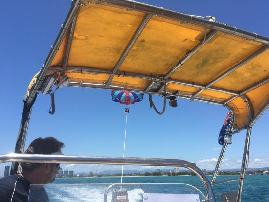 Main Beach, Australia: Had an amazing time and day parasailing and jet skiing at Gold Coast Watersports. Can't wait to