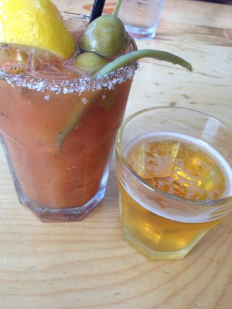 Kealakekua, Havaí: Bloody Mary with beans and free snit, Big Wave