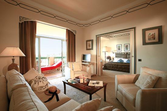 Es Saadi Gardens & Resort - Palace: Suite Living Room