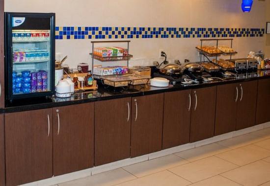Hampton, VA: Breakfast Buffet