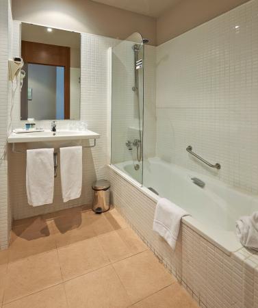 Sant Joan Despi, İspanya: Double Room toilet