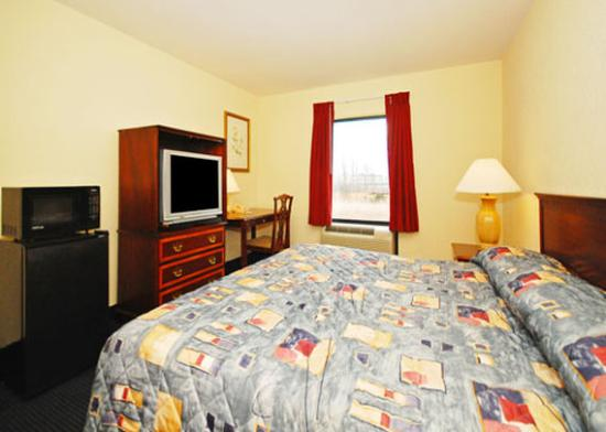 Amelia Court House, VA: Guest Room