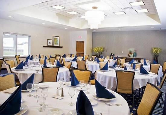Chesapeake, VA: Crossways Ballroom Banquet Style